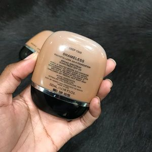 Marc Jacobs Makeup - Marc Jacobs Shameless Foundation